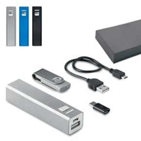 Set powerbank con memoria usb 8Gb y adaptador micro usb tipo C